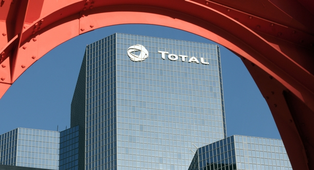 total-headquarters-paris-logo.jpg