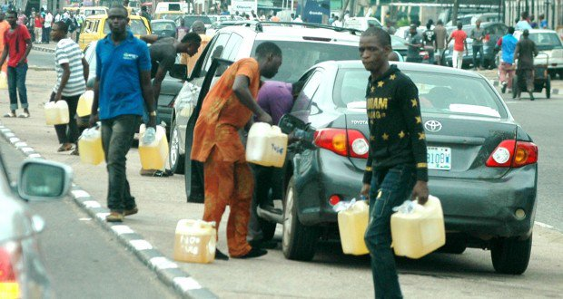 Fuel-hawkers-in-Lagos-Nigeria-1.jpg