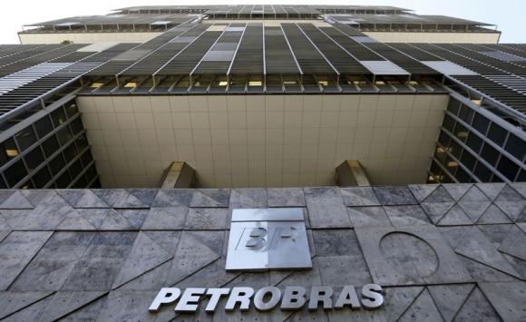 Petrobras plans $34 billion in dividends by 2024 as debt shrinks