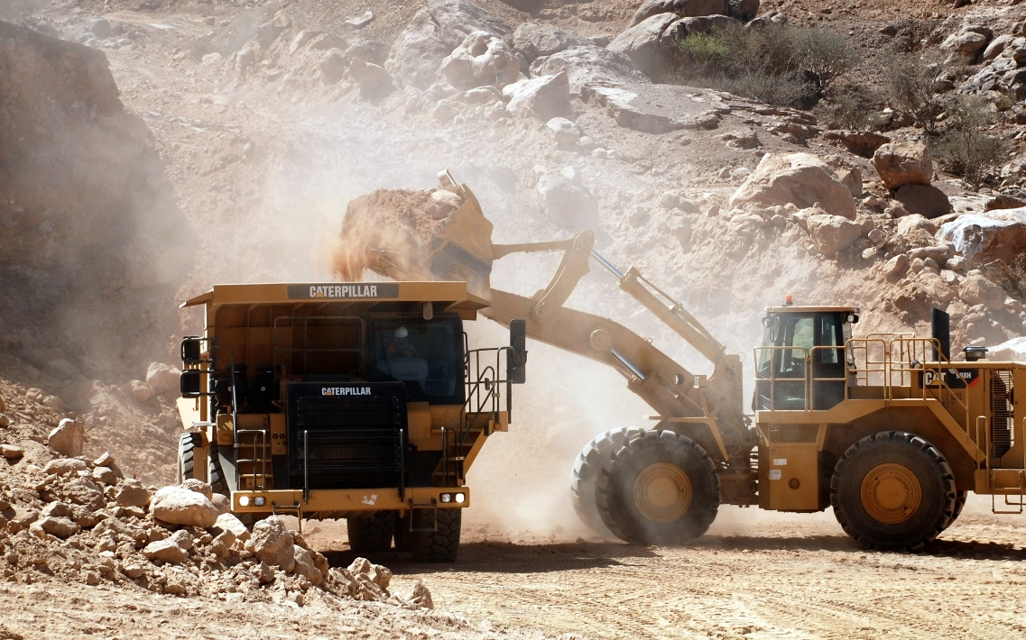 Chinese companies take on risk to expand mining sector