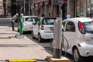India delays plan to roll out 10,000 electric cars to 2019
