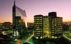 Moody's sees South African risks rising without credible debt plan