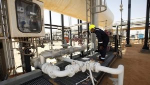 Libyan state oil firm demands pay increases for oil workers