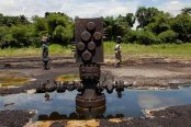 Oil-well-head-and-attendant-pollution-in-the-Niger-delta-174x116.jpg