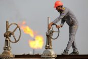 Iraqi-oil-workers-174x116.jpg