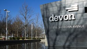 Devon Energy sees higher U.S. output in third quarter