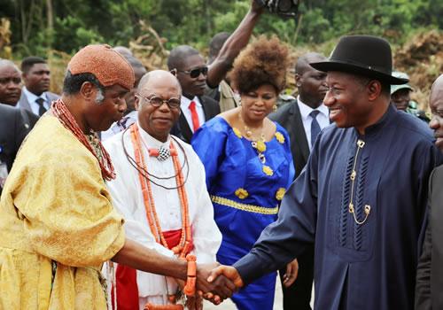 President Jonathan with the Olu of Warri, Ogiame, Atuwatse II.