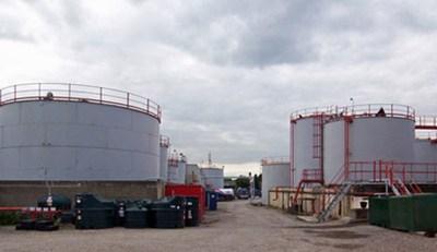 Fashola says tank farms in Apapa will move to Lekki