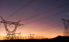 *Power transmission lines.