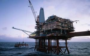 U.S. oil and gas jobs fall as drilling declines: Kemp