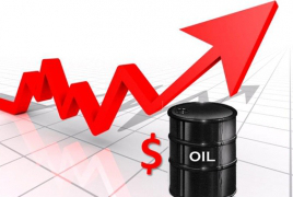Oil rises over 1% on expectations of extended output cuts