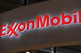 Union offered Exxon 6-yr deal with no raise first year -sources