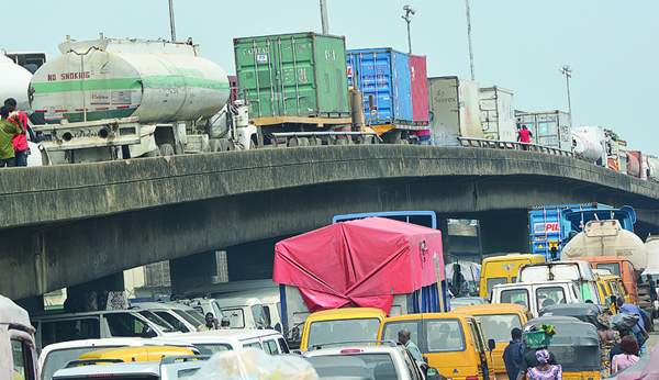 Rail line construction raise fresh threat to cargo clearing at Apapa Ports