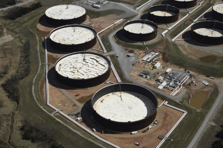 U.S. crude stockpiles rise, gasoline draws down - EIA