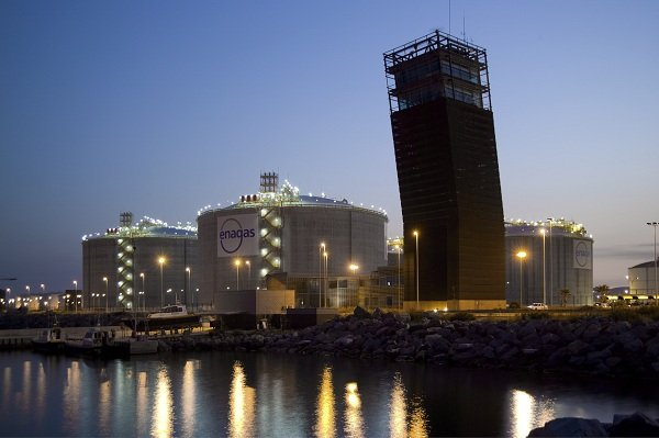 Spain's Enagas frees up extra space for LNG to stabilise supply in volatile market