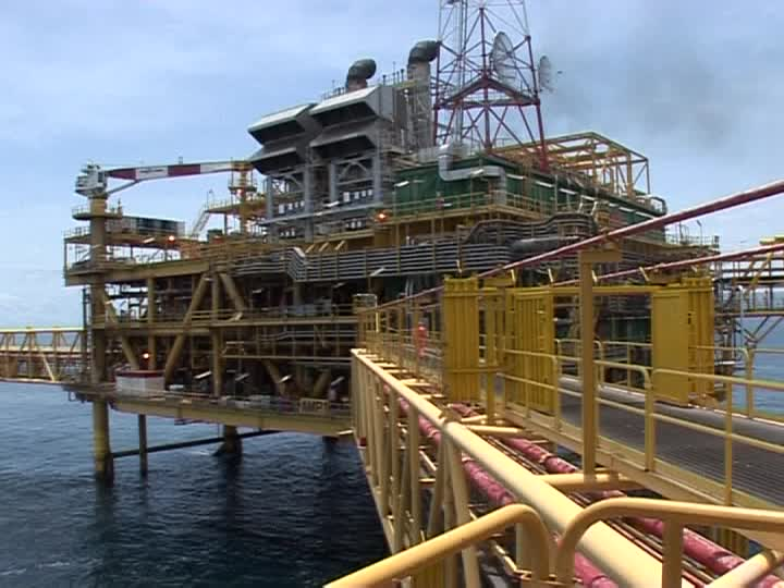 Offshore oil to peak in 2020, then join the shale slump - analyst
