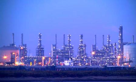Venezuela's biggest refinery complex restarts some operations