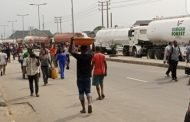How Rivers community barricade Navy with petrol tankers over MoU