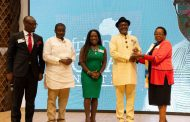 Wabote receives African Icon award